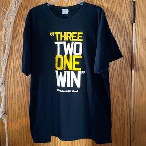 Mens 2XL black Pittsburgh Dad t-shirt